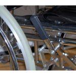 604729170-invalidnaya-kolyaska-s-vysokoj-spinkoj-s-sanitarnym-ustrojstvom-mega-optim-fs-902-gc-46-sn-1000x1000